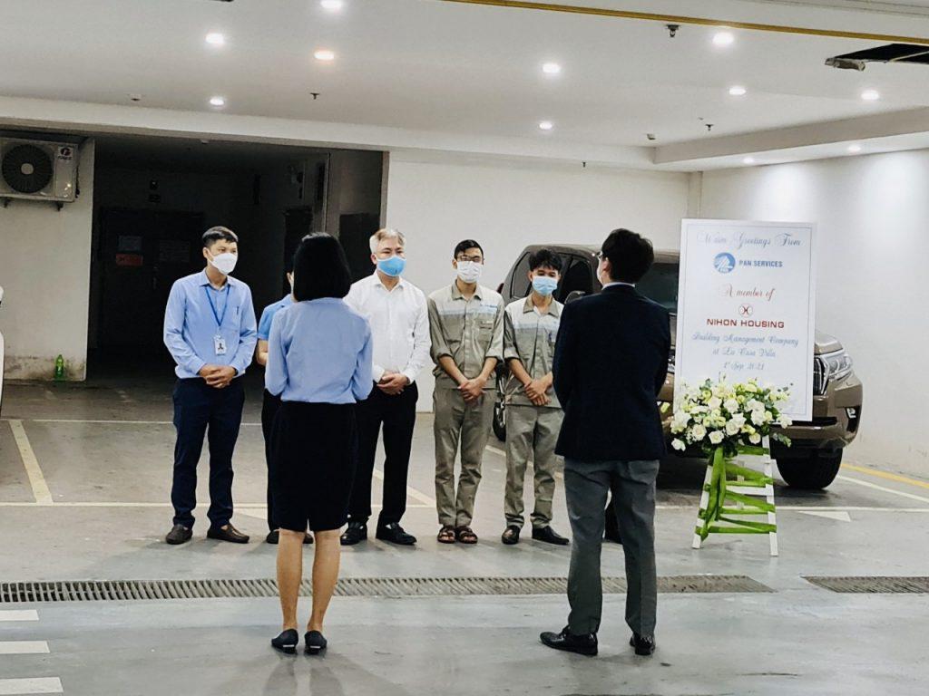 Hình ảnh chuyên gia Nhật Bản đào tạo kỹ năng cho nhân sự tại dự án